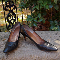 Vintage Shoes Black Reptile and Leather Mad Men Early 60's Pumps Marilyn Monroe