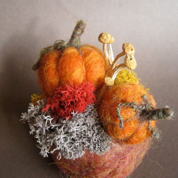 Needle Felted Pumpkin, Halloween Decoration, Fall Nature Table, Thanksgiving, Pumpkin Decoration, with moss and mushrooms