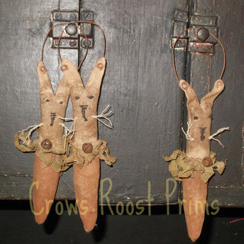 Primitive Easter Rabbit Bunny Peeker doll ornament