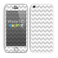 The Gray & White Chevron Pattern Skin for the Apple iPhone 5c