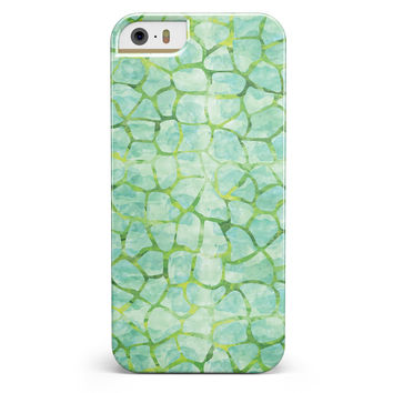 Green Watercolor Giraffe Pattern iPhone 5/5s or SE INK-Fuzed Case