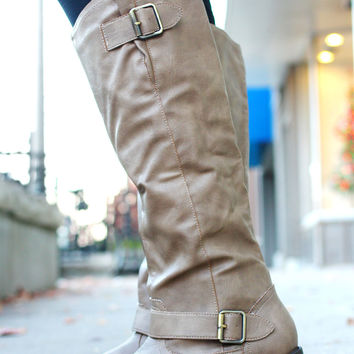 The Equestrian Lover's Boot - Taupe