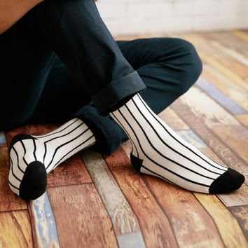New fashion man cotton Black white stripes houndstooth socks absorb sweat Man Socks
