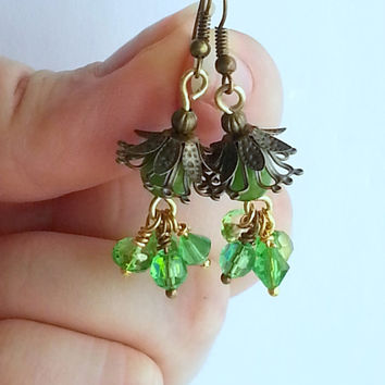 Spring Earrings, Green Flower Earrings, Green Drop Earrings, Spring gift. Bridesmaid Earrings, Dangle Earrings, Gift For Her, for Girlfriend