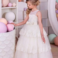 2017 Romantic Ivory Ball Gown Flower Girl Dress for Weddings Lace Tiered Tulle Girl Party Communion Dress Pageant Gown F338