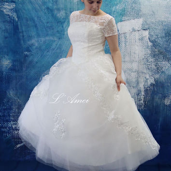 Vintage Style Tea Length lace Wedding Dress,Retro 50s  Tea Length Lace Wedding Dress with Short sleeves - AM1233921