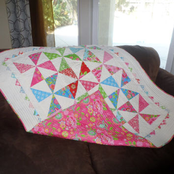 Meandering Hearts Baby Quilt in Gypsy Girl by WestCoastQuilting