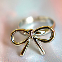 A Silver Lining Bow Ring | Trinkettes