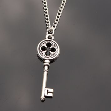 Love Vintage Punk Silver Key Pendant Necklace