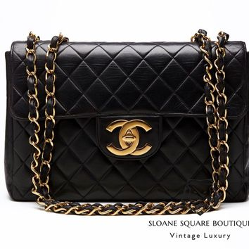 CHANEL BLACK BAG VINTAGE QUILTED LAMBSKIN JUMBO CLASSIC FLAP GOLD HARDWARE AA1