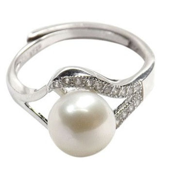 Adjustable Freshwater Pearl Ring in sterling silver
