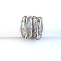 Two-in-one - Wrapped bracelet or necklace. White and grey round leather & nickel chains and beads