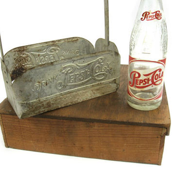 Vintage Double Dot Pepsi Cola Metal Bottle Carrier