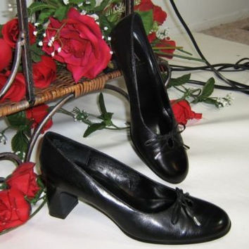 Etienne Aigner womens BLACK Leather Pumps Shoes Size 6.5