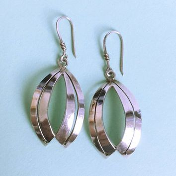 Sterling Silver Oval Pierced Earrings Vintage 1980s 1990s Signed TAXCO 925 Concave Dangle Drop Open Work Fish Hooks Modern Curvy Boho Style