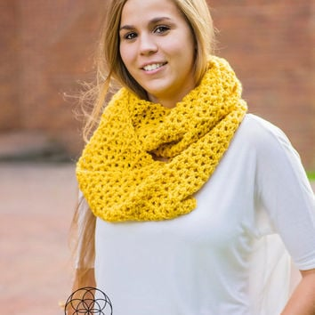 Crochet infinity scarf, circle scarf, loop scarf, crochet scarf, fall scarf, winter scarf, yellow scarf, mustard yellow scarf