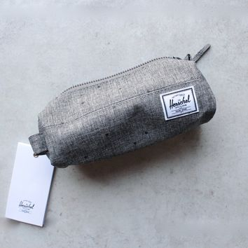 herschel supply co. - 'Settlement pencil case' - raven crosshatch