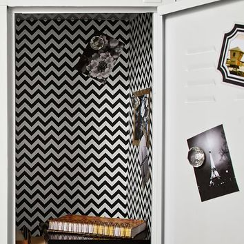 BLACK CHEVRON LOCKER WALLPAPER, 3 SHEETS