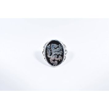Vintage 1980's Gothic Style Lion Crest Black inlay Men's Ring