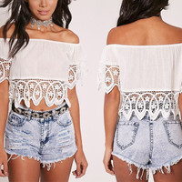 Summer Fashion Female Solid Color Off Shoulder Stitching Hollow Lace Crop Top