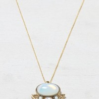 AEO Women's Opal Pendant Necklace (Gold)