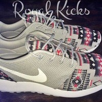 ONETOW Tribal Aztec Gray Nike Roshe Run Custom Sneakers