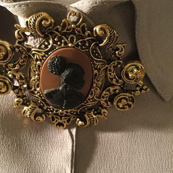 Vintage brooch cameo and pin/Free Shipping