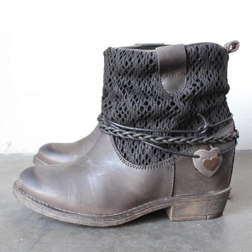 coolway - clea leather & fabric braid detailed hidden wedge ankle boots - distressed b