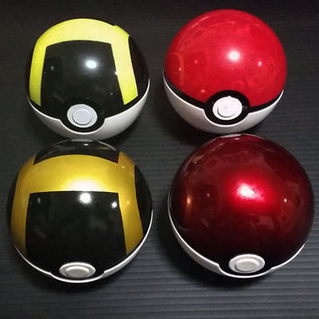 Custom Sprayed Pokeball and Ultraball, Pokemon cosplay must have