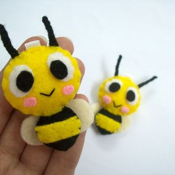 Cute Insect Bee Keychain/Phone Charm/Magnet - Buzzie, Bebee
