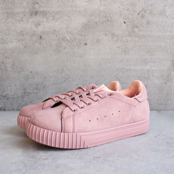 suede low top lace up sneaker - mauve
