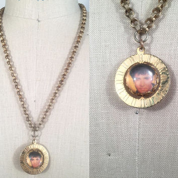 70s Jewelry Elvis Necklace Reversible Pendant Rotating Pendant Long Chain Necklace Vintage Elvis Jewelry Long Pendant Necklace 70s Elvis