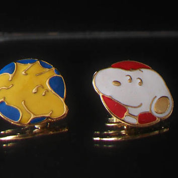 Vintage Peanuts Snoopy Woodstock Lapel Pin Tie Tack United Feature Syndicate Hallmark Unisex Jewelry Fashion Accessories