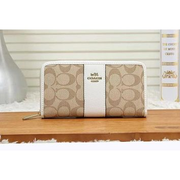 Coach Fashion Women Leather Zipper Purse Wallet White