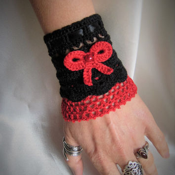 Gothic victorian style lace cuff  bracelet coton lace cristal beads black red satin ribbon