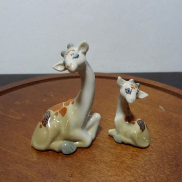 Vintage Wade Miniature Happy Family Porcelain Giraffe Figures - Made in England