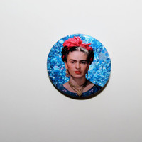 Frida Kahlo on a blue glitter background 32mm pin back badge