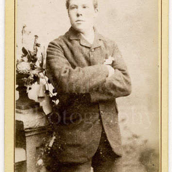 CDV Carte de Visite Photo Victorian Young Handsome Man Folded Arms Portrait - R Banks of Manchester England - Antique Photograph