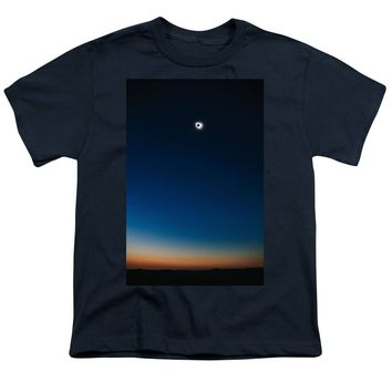 Solar Eclipse, Syzygy, The Sun, The Moon And Earth - Youth T-Shirt