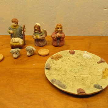 CHILD'S NATIVITY TEA SET