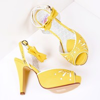 Yellow Faux Leather Detailed Pump