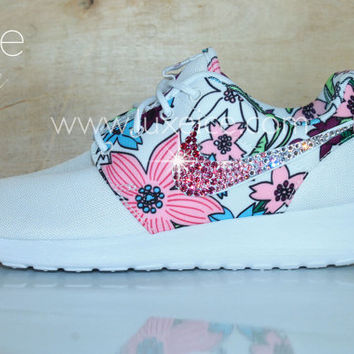 Nike Roshe Run White/Bold Berry/White made with SWAROVSKI crystals