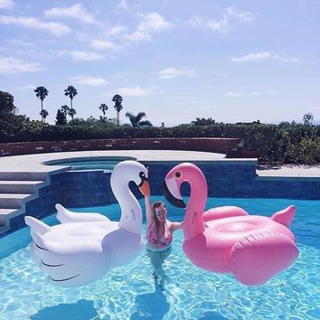 Inflatable Flamingo Swimming Pool Float Summer Island Giant Ride on White Swan Swimming Lifebuoy Lounge Inflatable Pool Toy Raft