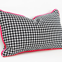 """Lumbar Pillow Cover - 12"""" x 20"""" - Classic Houndstooth - Black and White with Fuschia Velvet Piping"""