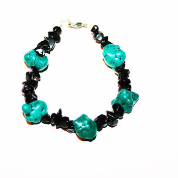 Blue Turquoise and Black Chip Beaded Bracelet with Silver Accents