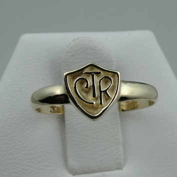 Vintage 14k Yellow Gold CTR Shield Ring