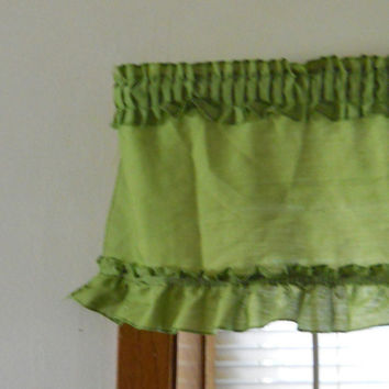 Green Valance 70s Avocado Green Ruffles 62.5 x 10.5