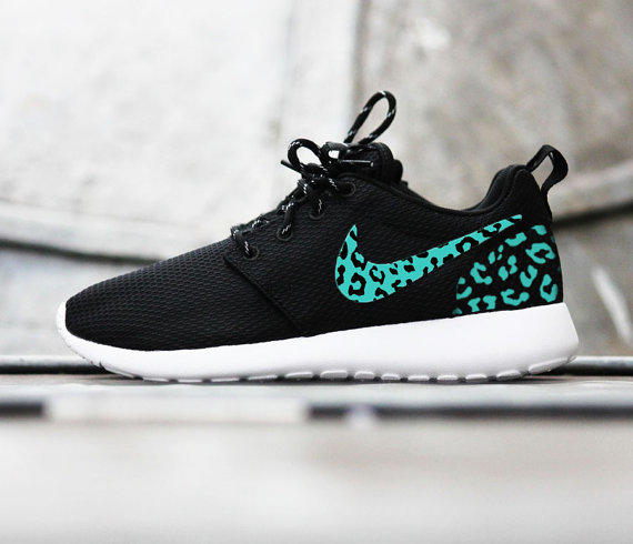 Custom Nike Roshe Run sneakers 44c5451d24