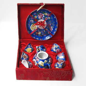 Vintage miniature childs porcelain blue chinese tea set