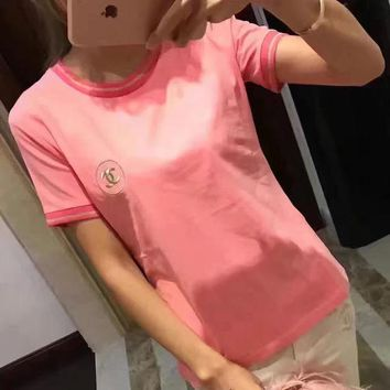 ONETOW Chanel Gold Embroidery Logo Pink T-Shirt